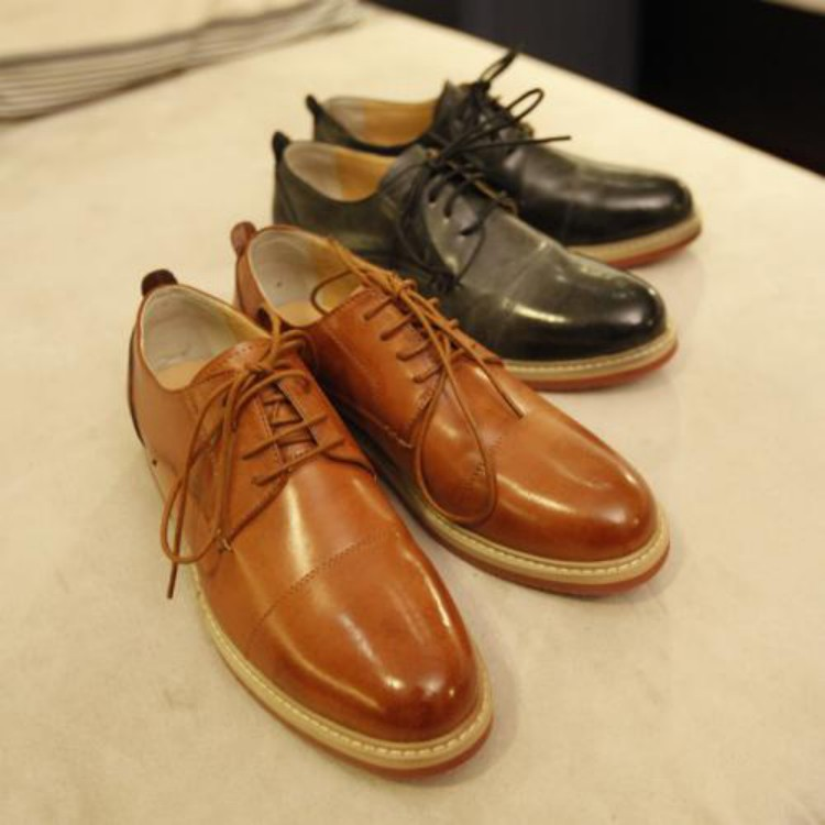 How to polish and wax leather shoes