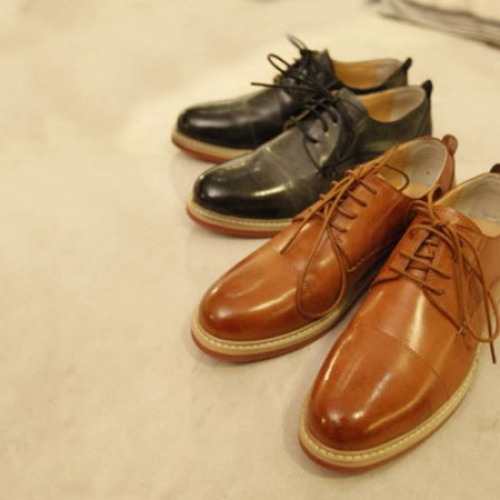 Leather shoes (for waxing)